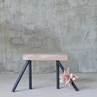 nachttisch_be_one_of_a_kind_schlafzimmer_handarbeit_stil_elegant_unikat_holzdesign_interieur_mbel_furnituredesign_handgemacht_zuhause_woodart_perfekt_holz_design_wohntrends
