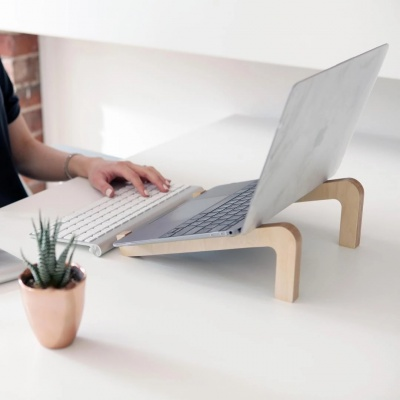 bro_produktivitt_interieurdesign_wellbeing_standingdesk_nobackpain_sustainable_health_fit_holzdesign_sustainability_standing_94791722